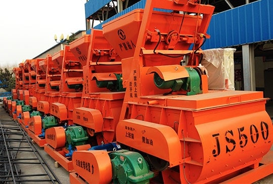 https://www.block-machine.net/wp-content/uploads/2019/06/5-LONTTO-interlocking-brick-machine-with-JS500-concrete-mixer-1.jpg