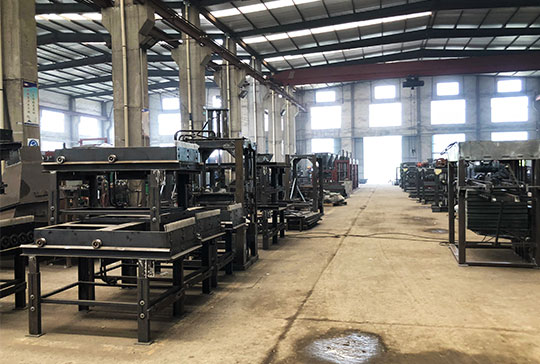 https://www.block-machine.net/wp-content/uploads/2019/06/Cement-Brick-Making-Machine-Factory-2.jpg