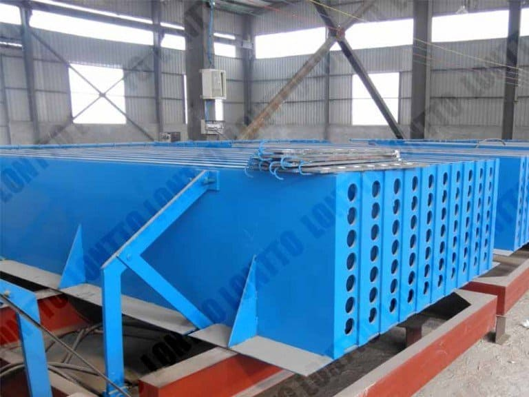 Horizontal type wall panel machine