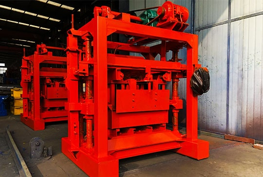 https://www.block-machine.net/wp-content/uploads/2019/06/Small-Brick-Making-Machine-Factory-4.jpg