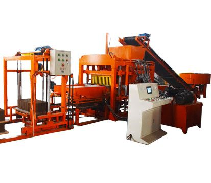 QT4-18 Concrete Brick Pressing Machine