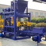 Automatic brick manufacturing machine
