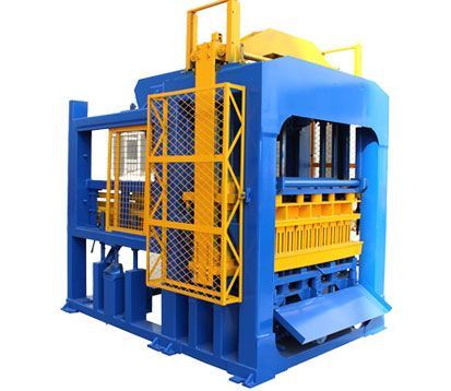 QT10-15 Brick Moulding Machine in Botswana