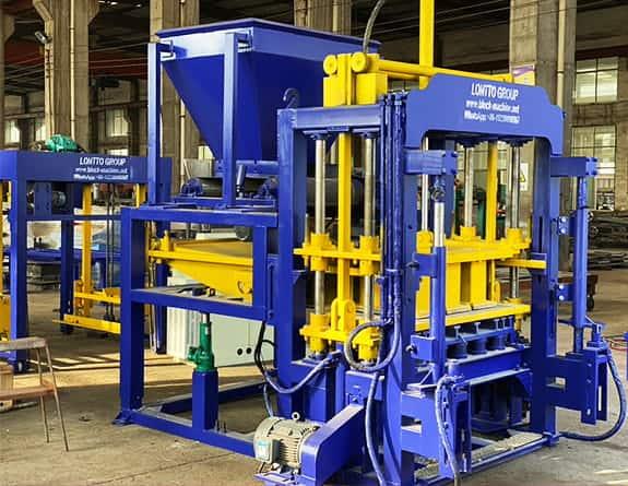 QT5-15 Automatic Concrete Brick Machine
