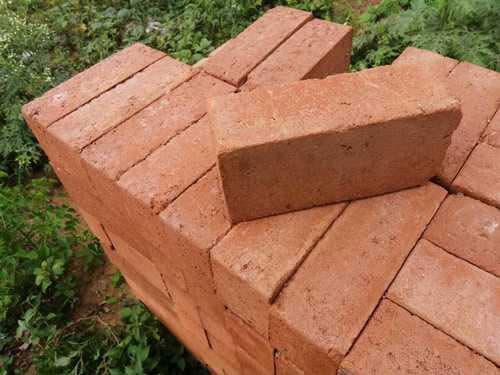 burnt-red-clay-bricks -lontto