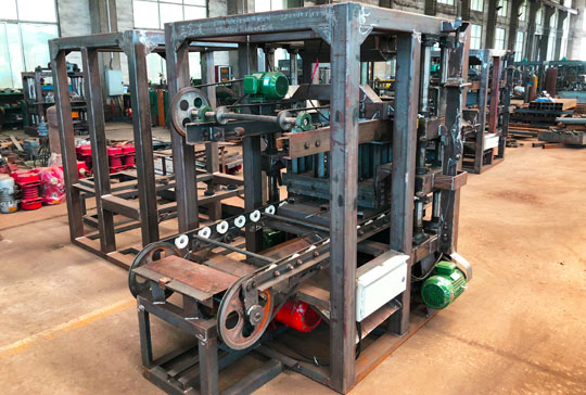 https://www.block-machine.net/wp-content/uploads/2021/01/LMT4-26-Semi-automatic-brick-machine-for-sale.jpg