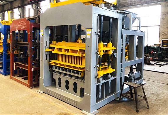 Hydraulic-concrete-block-Making-Machine-Factory-1